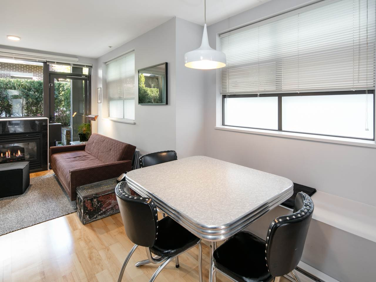 "Photo 7: 3677 COMMERCIAL Street in Vancouver: Victoria VE Townhouse for sale in ""Brix 2"" (Vancouver East)  : MLS(r) # R2113699"