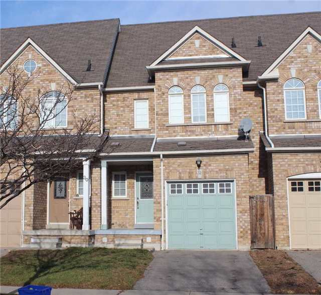 Main Photo: 32 Gateway Court in Whitby: Taunton North House (2-Storey) for lease : MLS® # E3663840