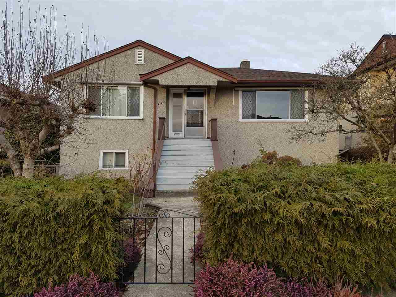 Main Photo: 4203 KITCHENER Street in Burnaby: Willingdon Heights House for sale (Burnaby North)  : MLS® # R2136045