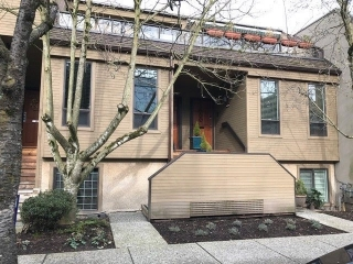 "Main Photo: 1183 W 7TH Avenue in Vancouver: Fairview VW Townhouse for sale in ""Marina Place"" (Vancouver West)  : MLS(r) # R2136869"