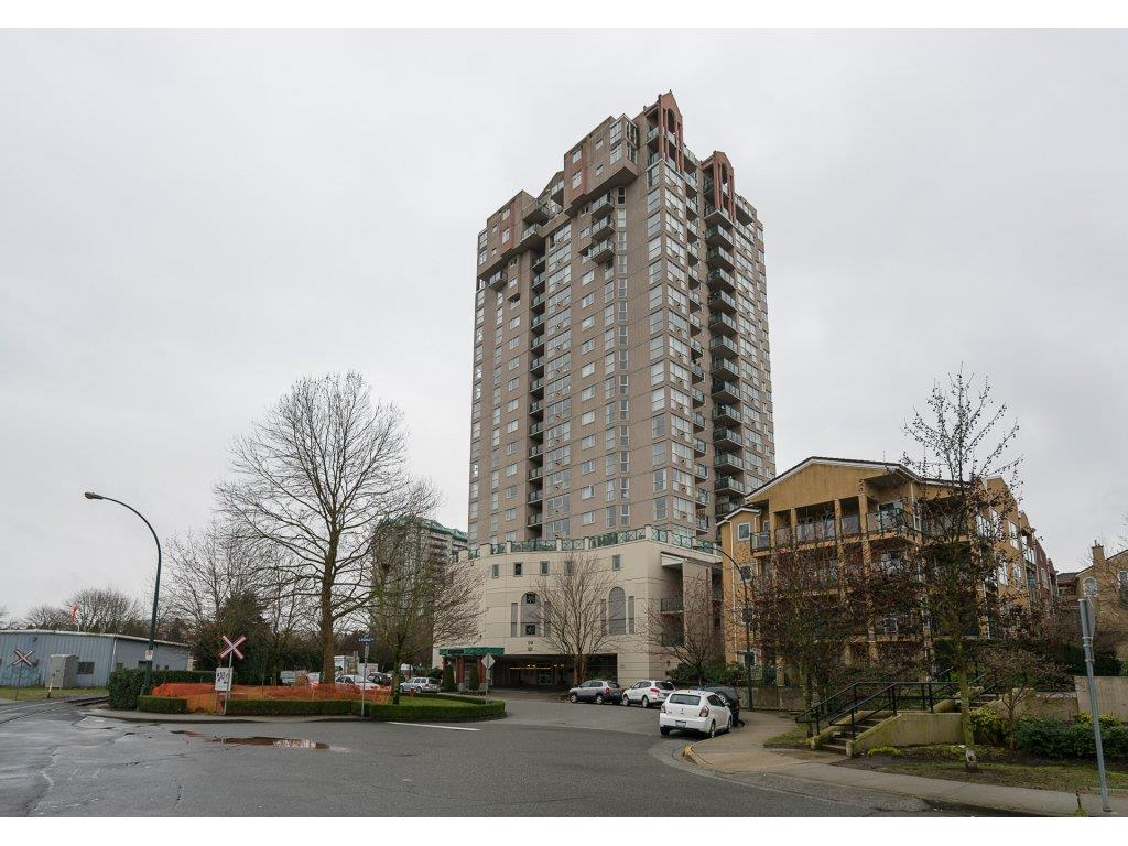 "Main Photo: 2105 10 LAGUNA Court in New Westminster: Quay Condo for sale in ""Laguna Court"" : MLS(r) # R2146993"