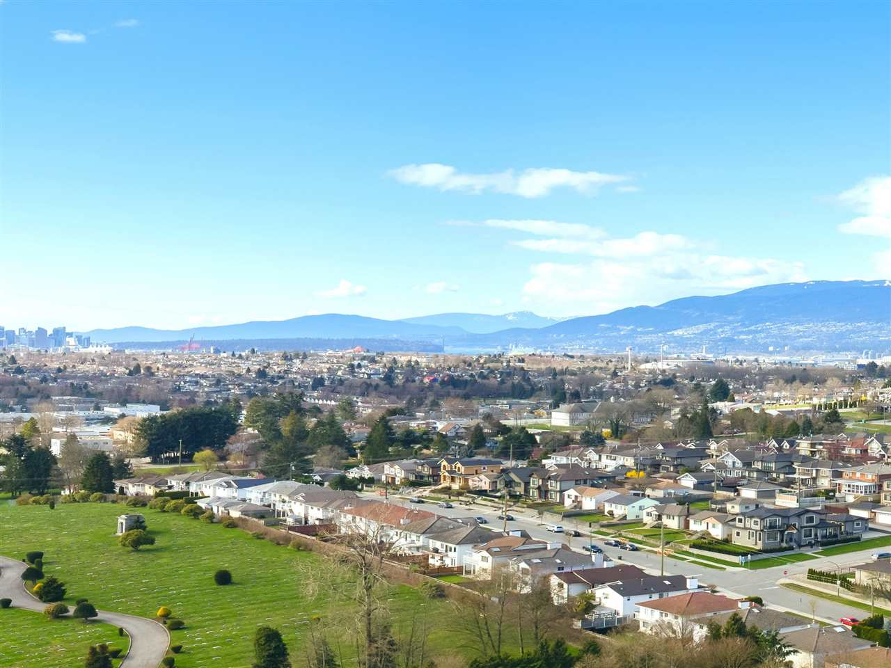 "Main Photo: PH 2301 4425 HALIFAX Street in Burnaby: Brentwood Park Condo for sale in ""POLARIS"" (Burnaby North)  : MLS(r) # R2153389"