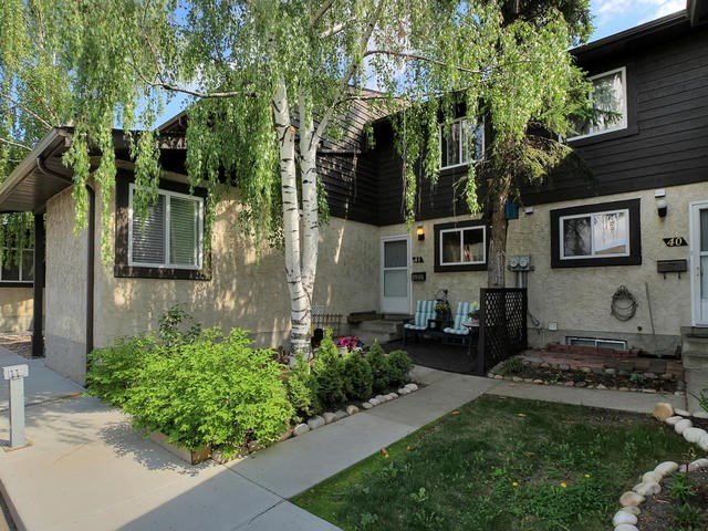 Main Photo:  in Edmonton: Zone 29 Townhouse for sale : MLS(r) # E4068714