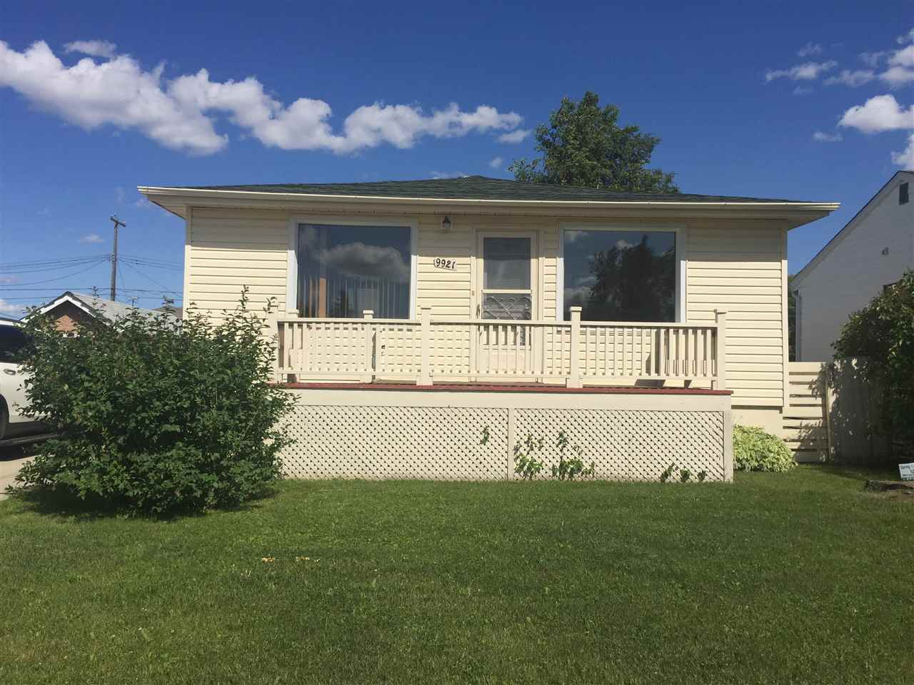 Main Photo: 9921 163 Street in Edmonton: Zone 22 House for sale : MLS(r) # E4070885