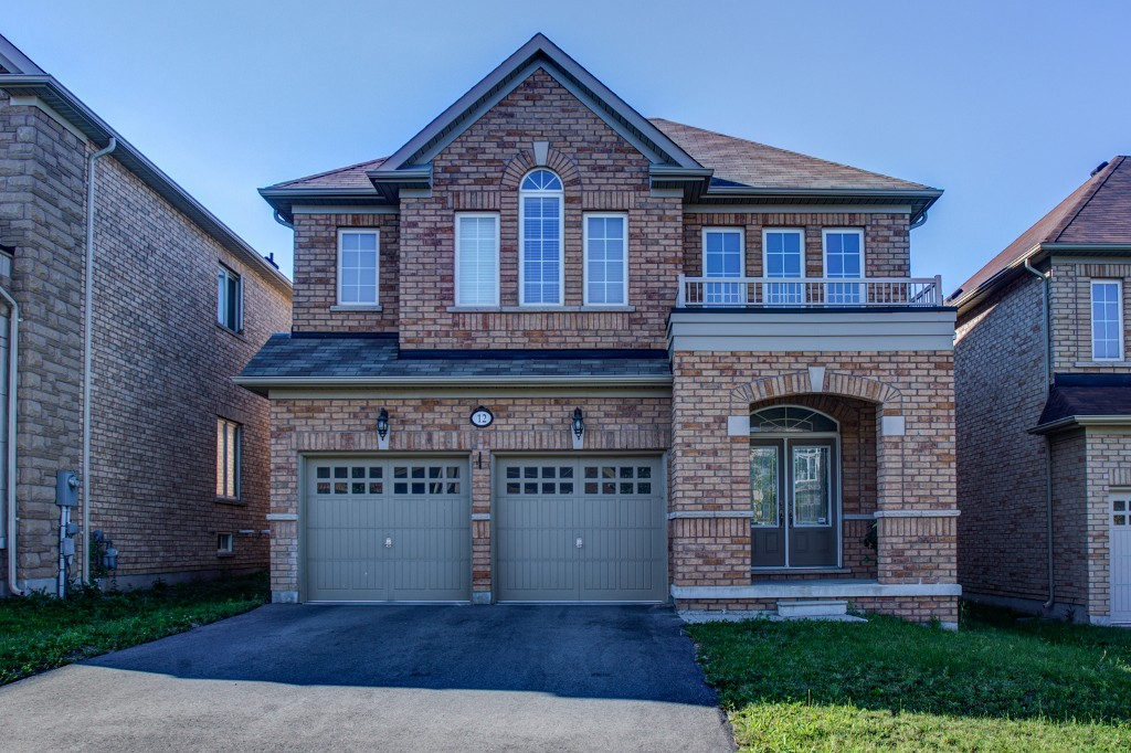Main Photo: 12 Barletta Drive in Vaughan: Patterson Freehold for sale