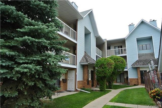 Main Photo: 100 Plaza Drive in Winnipeg: Fort Garry Condominium for sale (1J)  : MLS® # 1719406