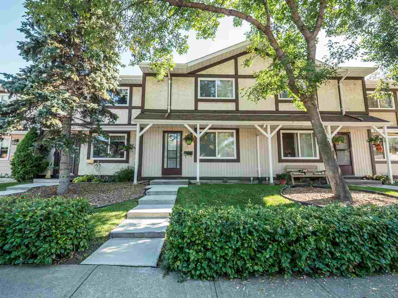 Main Photo: 117 TUDOR Lane in Edmonton: Zone 16 Townhouse for sale : MLS® # E4077778