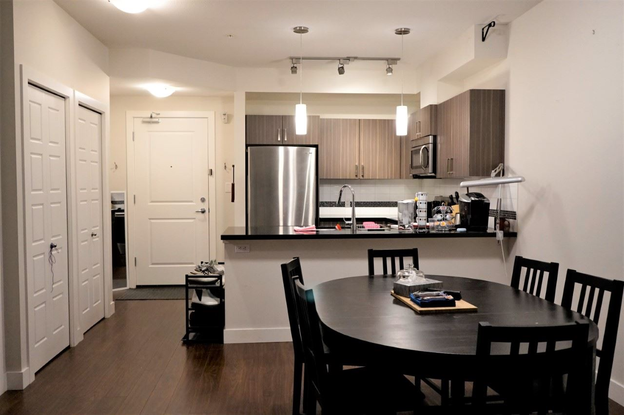 "Main Photo: 307 20219 54A Avenue in Langley: Langley City Condo for sale in ""Sued"" : MLS® # R2209135"