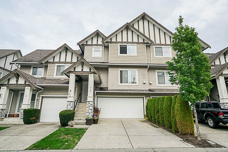 Main Photo: 78 18221 68 Avenue in Surrey: Cloverdale BC Townhouse for sale (Cloverdale)  : MLS® # R2209189