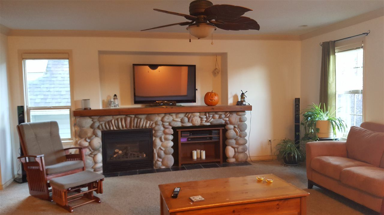 "Photo 3: Photos: 50942 FORD CREEK Place in Chilliwack: Eastern Hillsides House for sale in ""FORD CREEK"" : MLS® # R2209877"