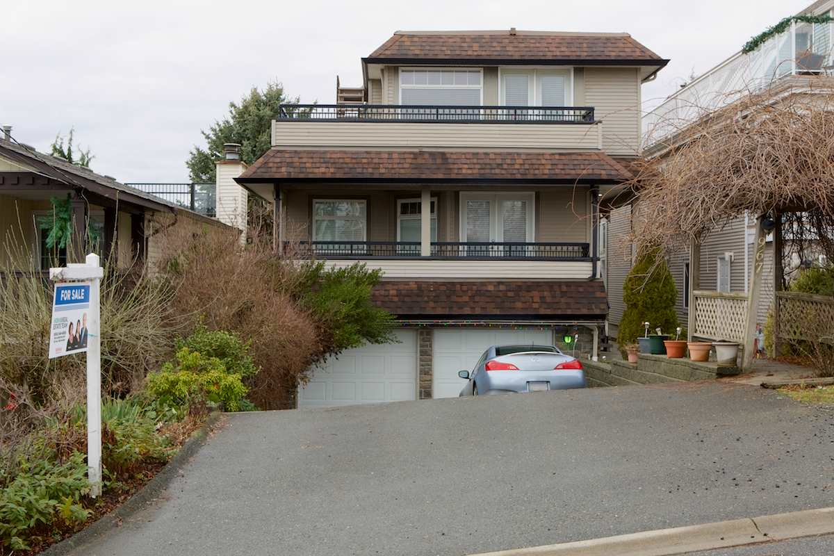 "Main Photo: 967 KEIL Street: White Rock House for sale in ""South Slope"" (South Surrey White Rock)  : MLS® # R2230357"