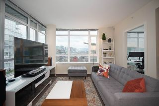 "Main Photo: 1006 89 W 2ND Avenue in Vancouver: False Creek Condo for sale in ""PINNACLE LIVING FALSE CREEK"" (Vancouver West)  : MLS®# R2249857"