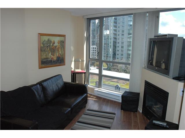 "Photo 2: 810 501 PACIFIC Street in Vancouver: Downtown VW Condo for sale in ""THE 501"" (Vancouver West)  : MLS® # V881976"