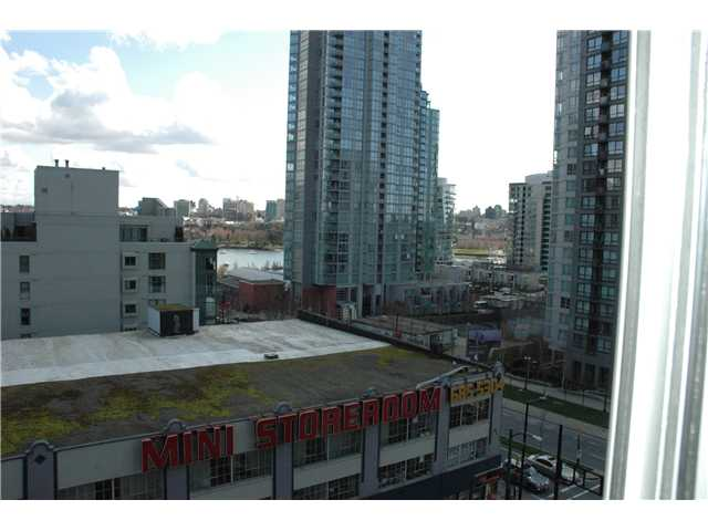 "Photo 7: 810 501 PACIFIC Street in Vancouver: Downtown VW Condo for sale in ""THE 501"" (Vancouver West)  : MLS® # V881976"