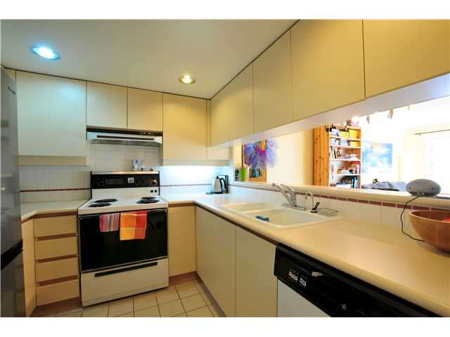 "Photo 4: 507 456 MOBERLY Road in Vancouver: False Creek Condo for sale in ""PACIFIC COVE"" (Vancouver West)  : MLS(r) # V919762"