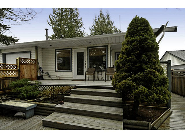 Photo 40: 18055 64TH Avenue in Surrey: Cloverdale BC House for sale (Cloverdale)  : MLS(r) # F1405345