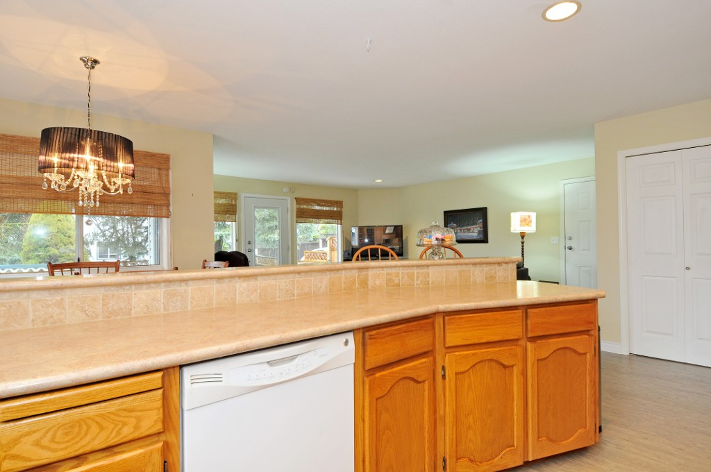 Photo 20: 18055 64TH Avenue in Surrey: Cloverdale BC House for sale (Cloverdale)  : MLS(r) # F1405345