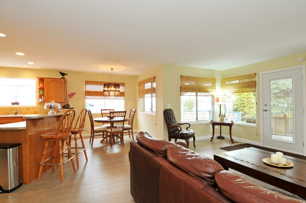 Photo 38: 18055 64TH Avenue in Surrey: Cloverdale BC House for sale (Cloverdale)  : MLS(r) # F1405345