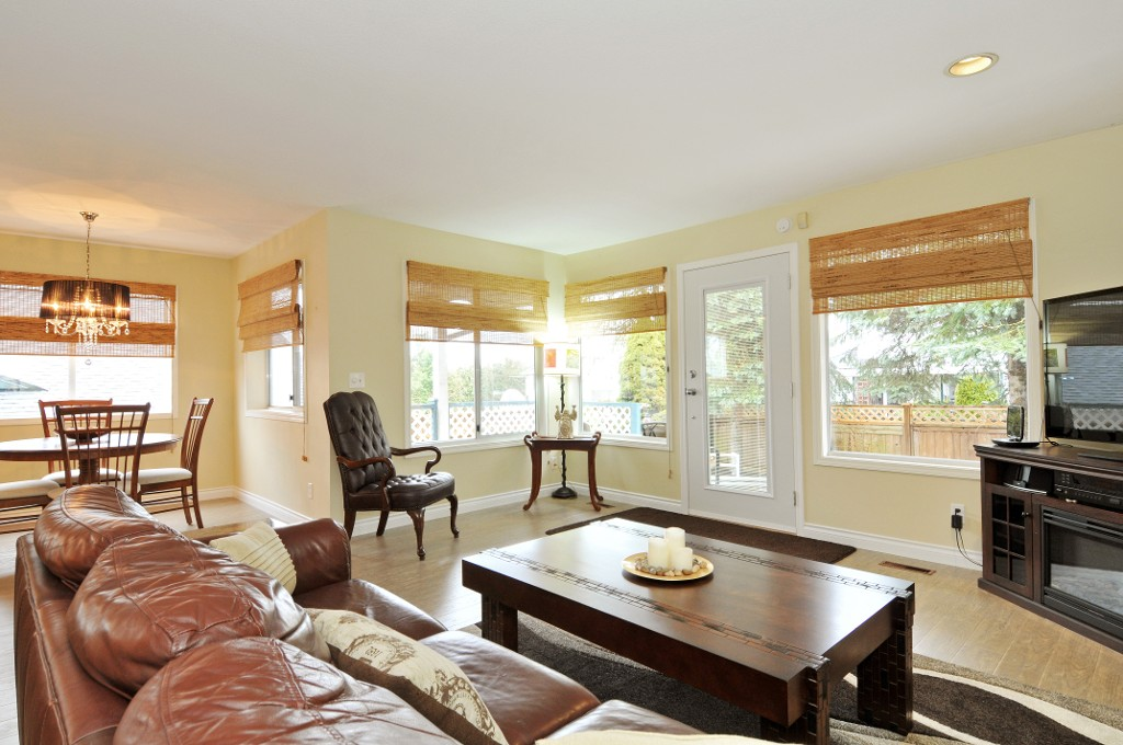 Photo 37: 18055 64TH Avenue in Surrey: Cloverdale BC House for sale (Cloverdale)  : MLS(r) # F1405345