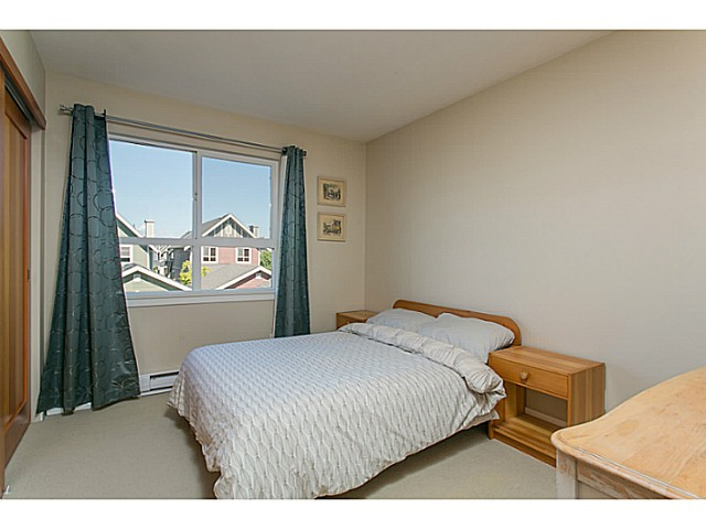 "Photo 11: 255 HOLLY Avenue in New Westminster: Queensborough House for sale in ""RED BOAT PORT ROYAL"" : MLS(r) # V1122082"