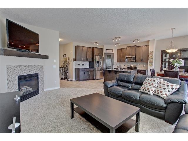 Photo 8: 258 HILLCREST Circle SW: Airdrie House for sale : MLS® # C4016316