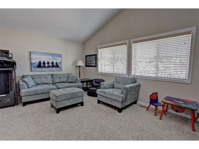 Photo 10: 258 HILLCREST Circle SW: Airdrie House for sale : MLS® # C4016316