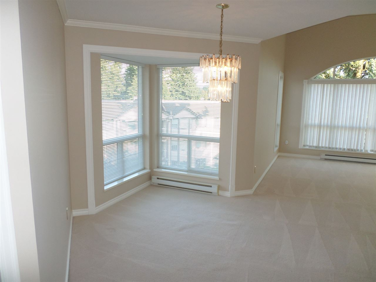 "Photo 3: 405 32120 MT WADDINGTON Avenue in Abbotsford: Abbotsford West Condo for sale in ""The Laurelwood"" : MLS(r) # R2001419"