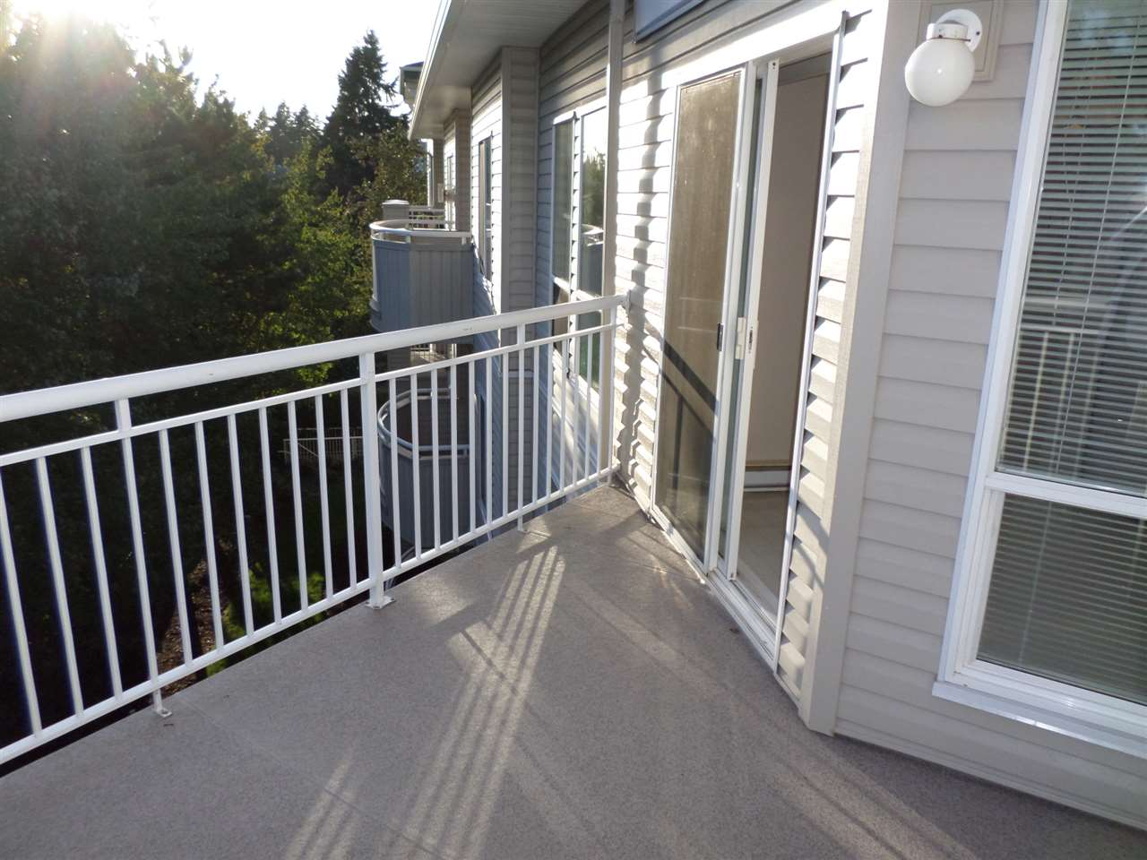 "Photo 15: 405 32120 MT WADDINGTON Avenue in Abbotsford: Abbotsford West Condo for sale in ""The Laurelwood"" : MLS(r) # R2001419"