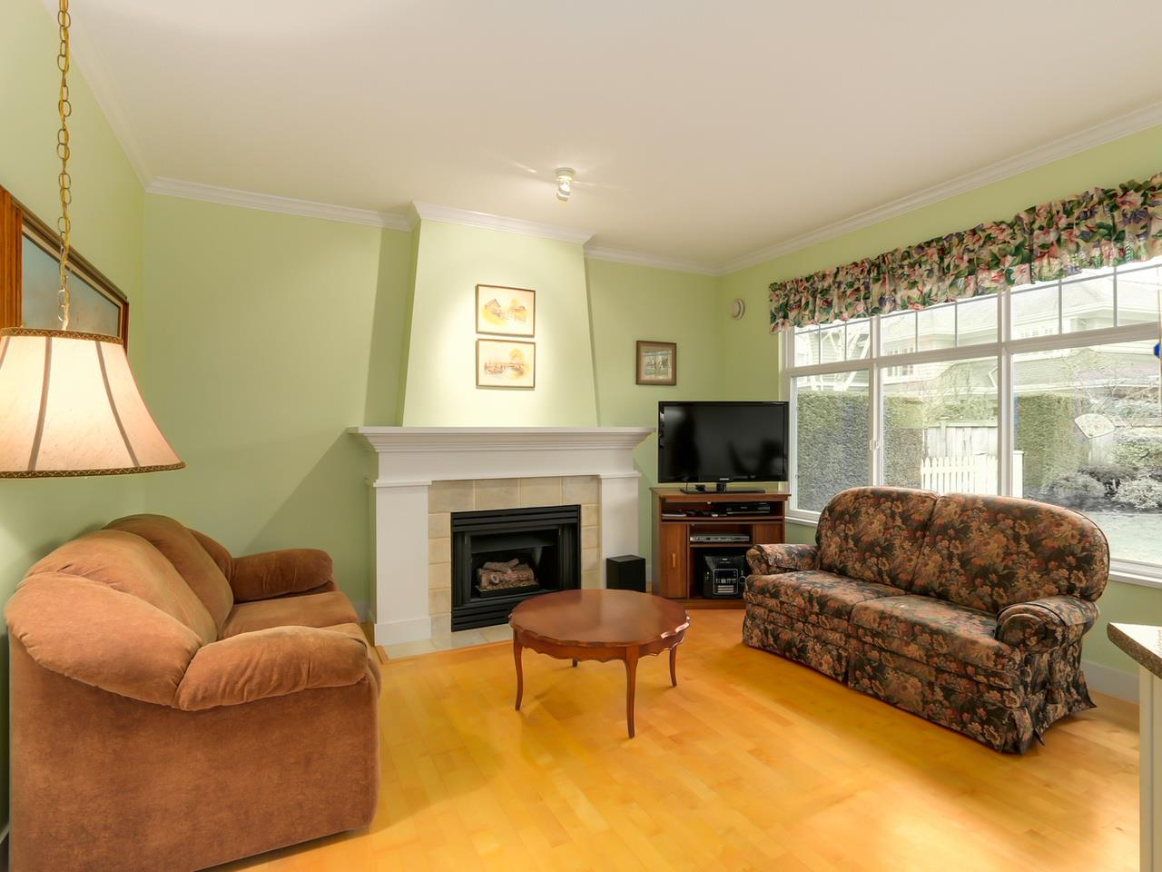 Photo 6: 113 5900 FERRY Road in Delta: Neilsen Grove Townhouse for sale (Ladner)  : MLS(r) # R2035686