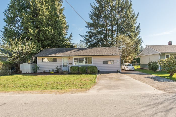 Main Photo: 21452 CAMPBELL Avenue in Maple Ridge: West Central House for sale : MLS® # R2052314