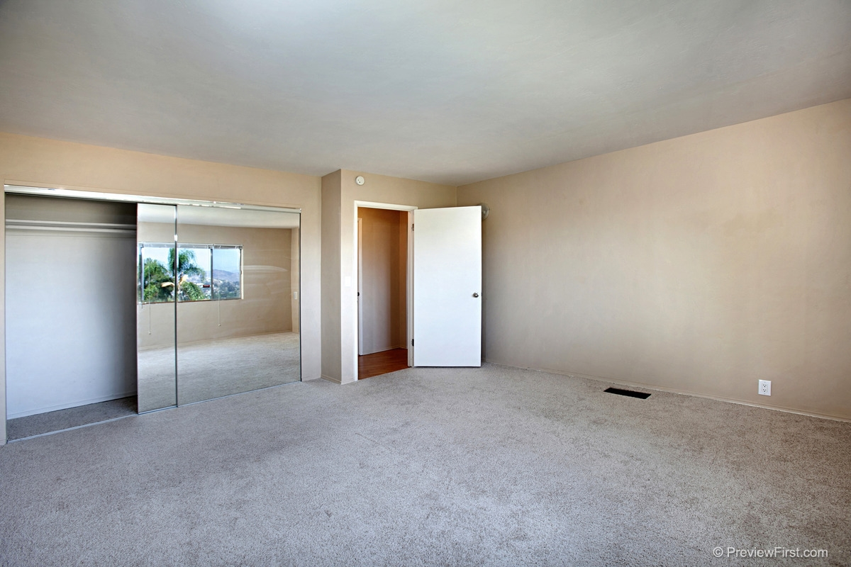 Photo 10: MOUNT HELIX House for rent : 4 bedrooms : 11211 Constellation Drive in El Cajon