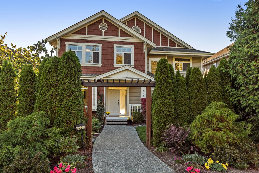 "Main Photo: 6753 206 Street in Langley: Willoughby Heights House for sale in ""Willoughby Heights"" : MLS® # R2114840"