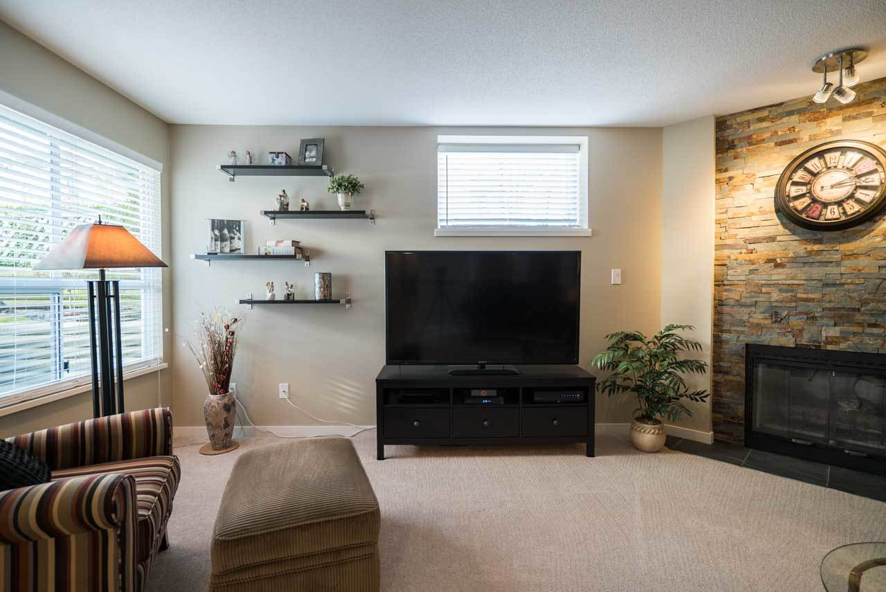 "Photo 4: 1403 21937 48 Avenue in Langley: Murrayville Townhouse for sale in ""Orangewood"" : MLS(r) # R2123839"
