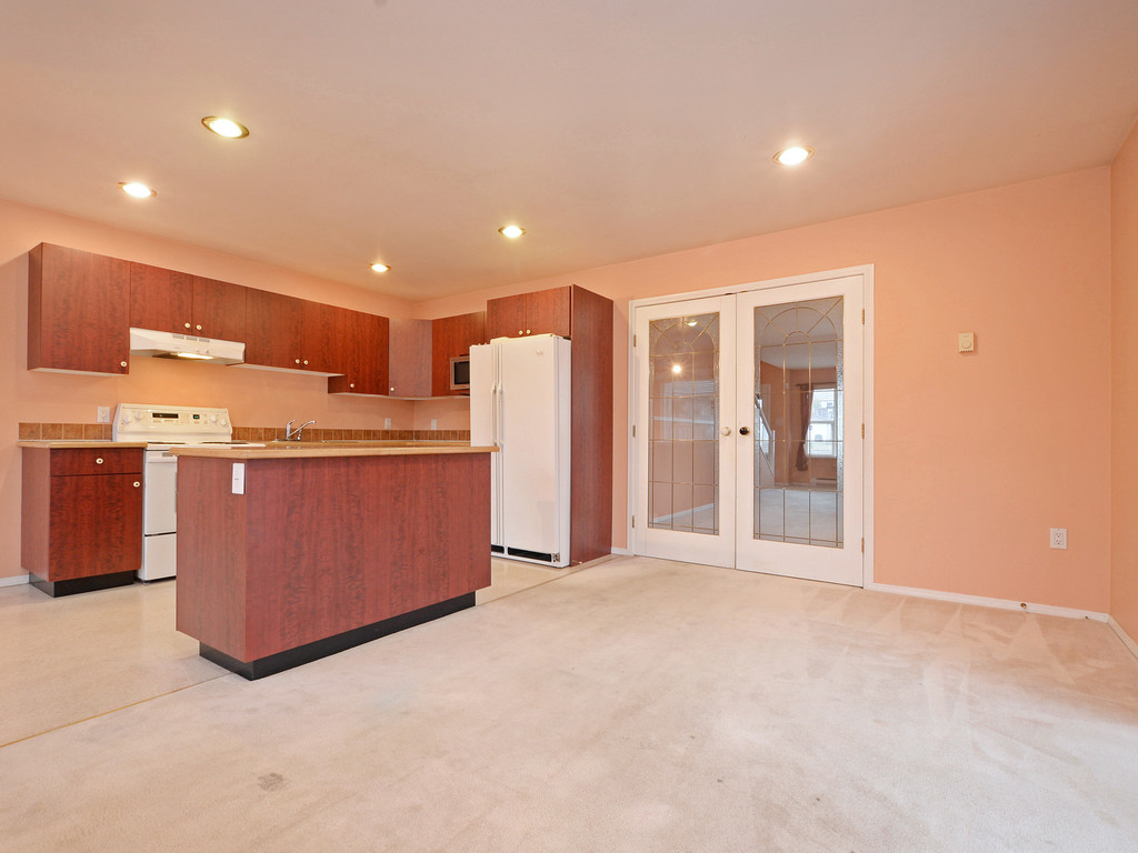 Photo 10: 295 Nicola Place in VICTORIA: SW Tillicum Strata Duplex Unit for sale (Saanich West)  : MLS(r) # 373590