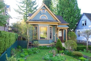 "Main Photo: 214 FOURTH Avenue in New Westminster: Queens Park House for sale in ""QUEENS PARK"" : MLS® # R2136258"