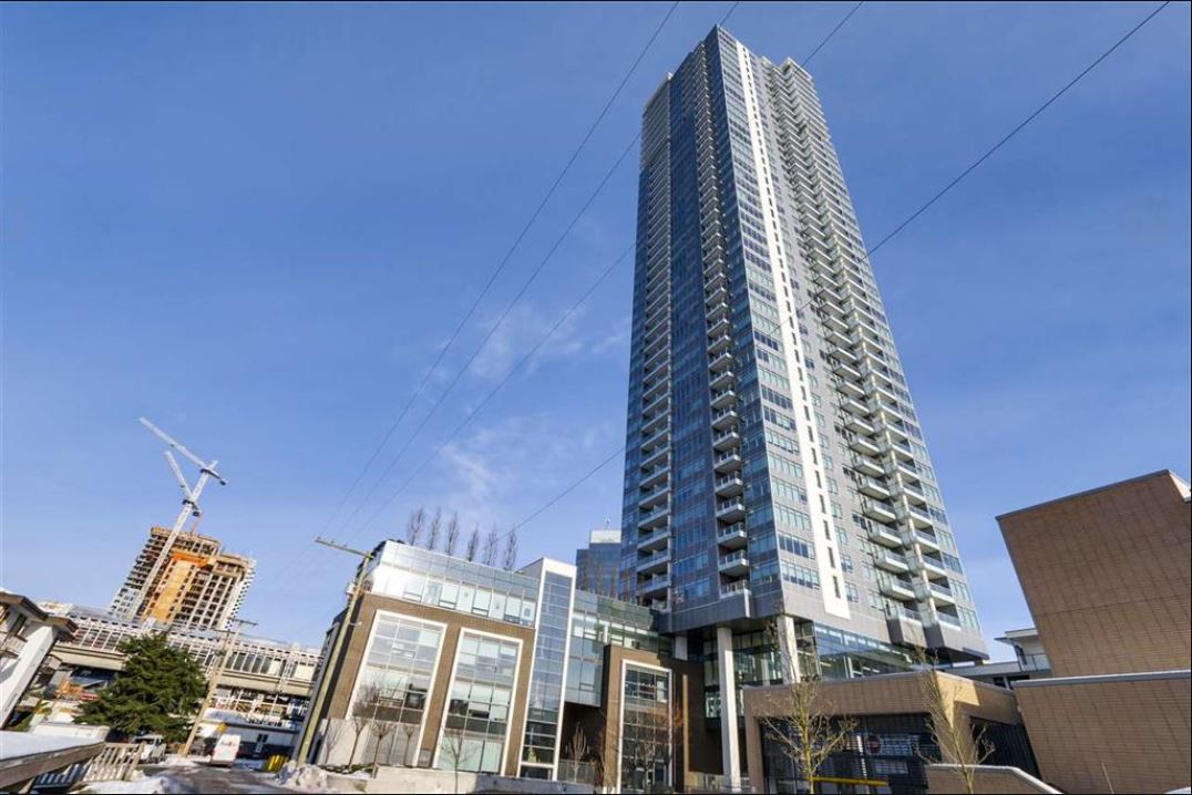 "Main Photo: 903 6461 TELFORD Avenue in Burnaby: Metrotown Condo for sale in ""Metroplace"" (Burnaby South)  : MLS®# R2136780"