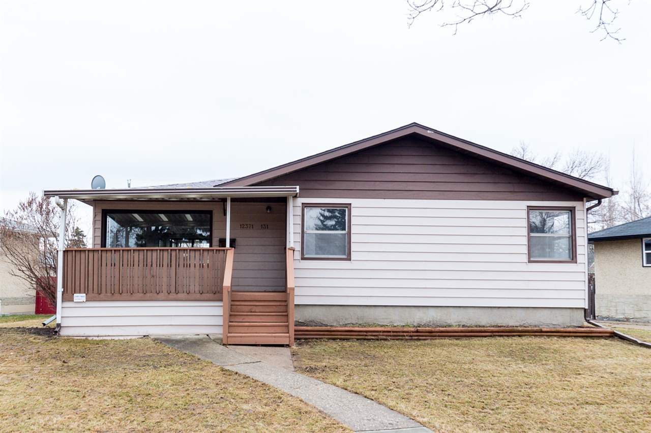 Main Photo:  in Edmonton: Zone 04 House for sale : MLS(r) # E4058869