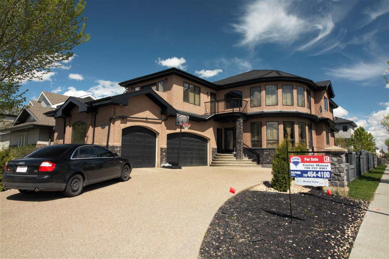 Main Photo: 2903 Tredger Green in Edmonton: Zone 14 House for sale : MLS(r) # E4060151