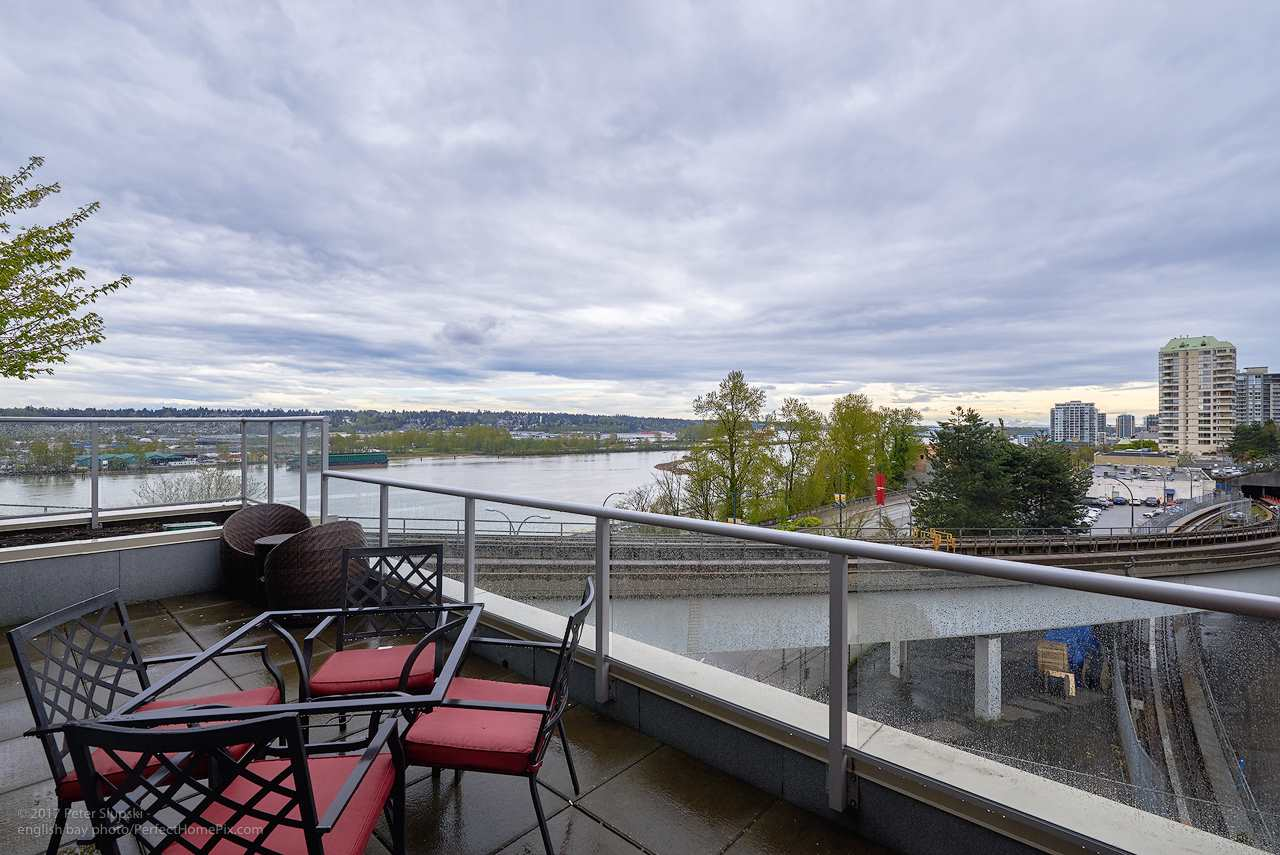 "Photo 12: 505 125 COLUMBIA Street in New Westminster: Downtown NW Condo for sale in ""NORTHBANK"" : MLS® # R2158737"