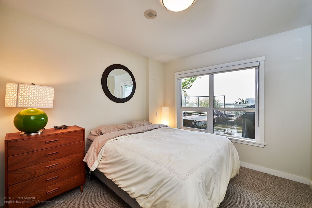"Photo 8: 505 125 COLUMBIA Street in New Westminster: Downtown NW Condo for sale in ""NORTHBANK"" : MLS® # R2158737"
