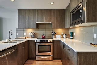 "Main Photo: 505 125 COLUMBIA Street in New Westminster: Downtown NW Condo for sale in ""NORTHBANK"" : MLS(r) # R2158737"