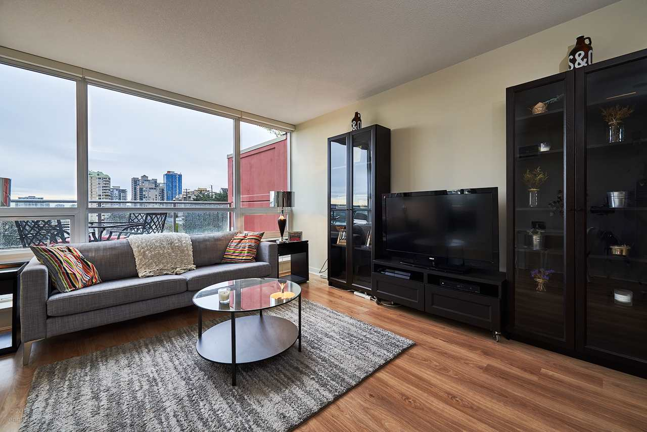 "Photo 5: 505 125 COLUMBIA Street in New Westminster: Downtown NW Condo for sale in ""NORTHBANK"" : MLS® # R2158737"