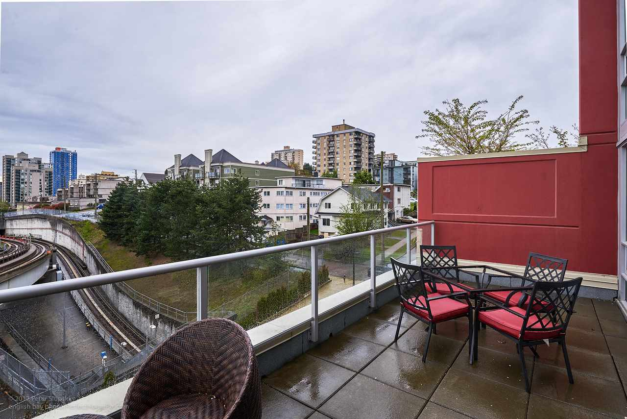 "Photo 14: 505 125 COLUMBIA Street in New Westminster: Downtown NW Condo for sale in ""NORTHBANK"" : MLS® # R2158737"