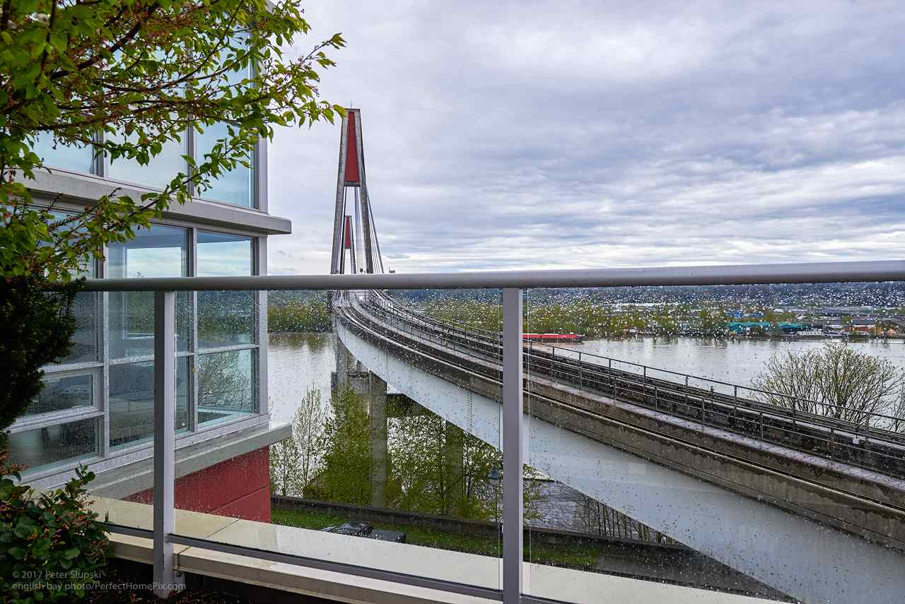 "Photo 11: 505 125 COLUMBIA Street in New Westminster: Downtown NW Condo for sale in ""NORTHBANK"" : MLS® # R2158737"