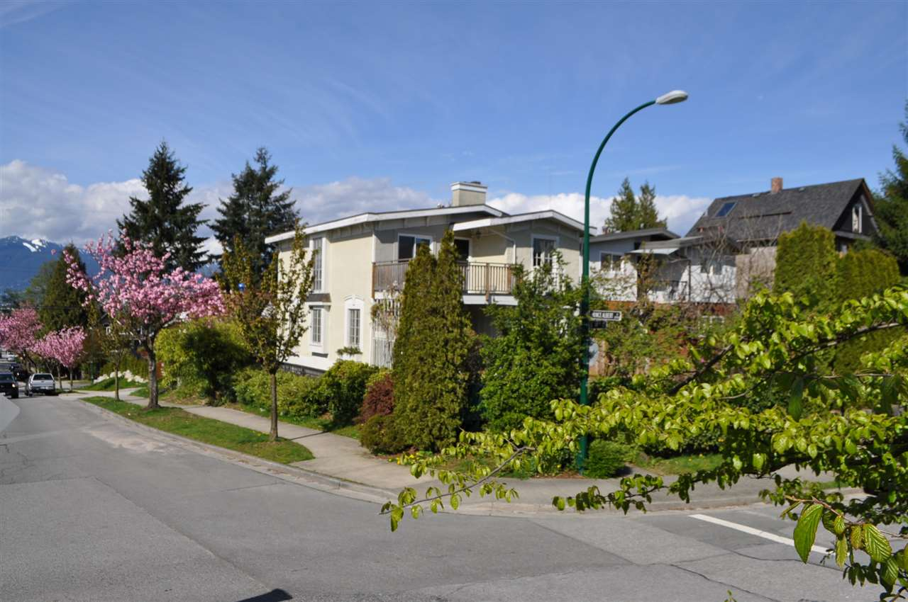 Main Photo: 803 805 E 14TH Avenue in Vancouver: Mount Pleasant VE House for sale (Vancouver East)  : MLS® # R2161072