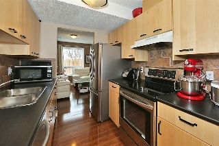 Main Photo: 602 SADDLEBACK Road in Edmonton: Zone 16 Townhouse for sale : MLS(r) # E4064418