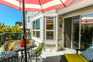 "Main Photo: 203 2680 W 4TH Avenue in Vancouver: Kitsilano Condo for sale in ""The Star of Kits"" (Vancouver West)  : MLS(r) # R2183873"