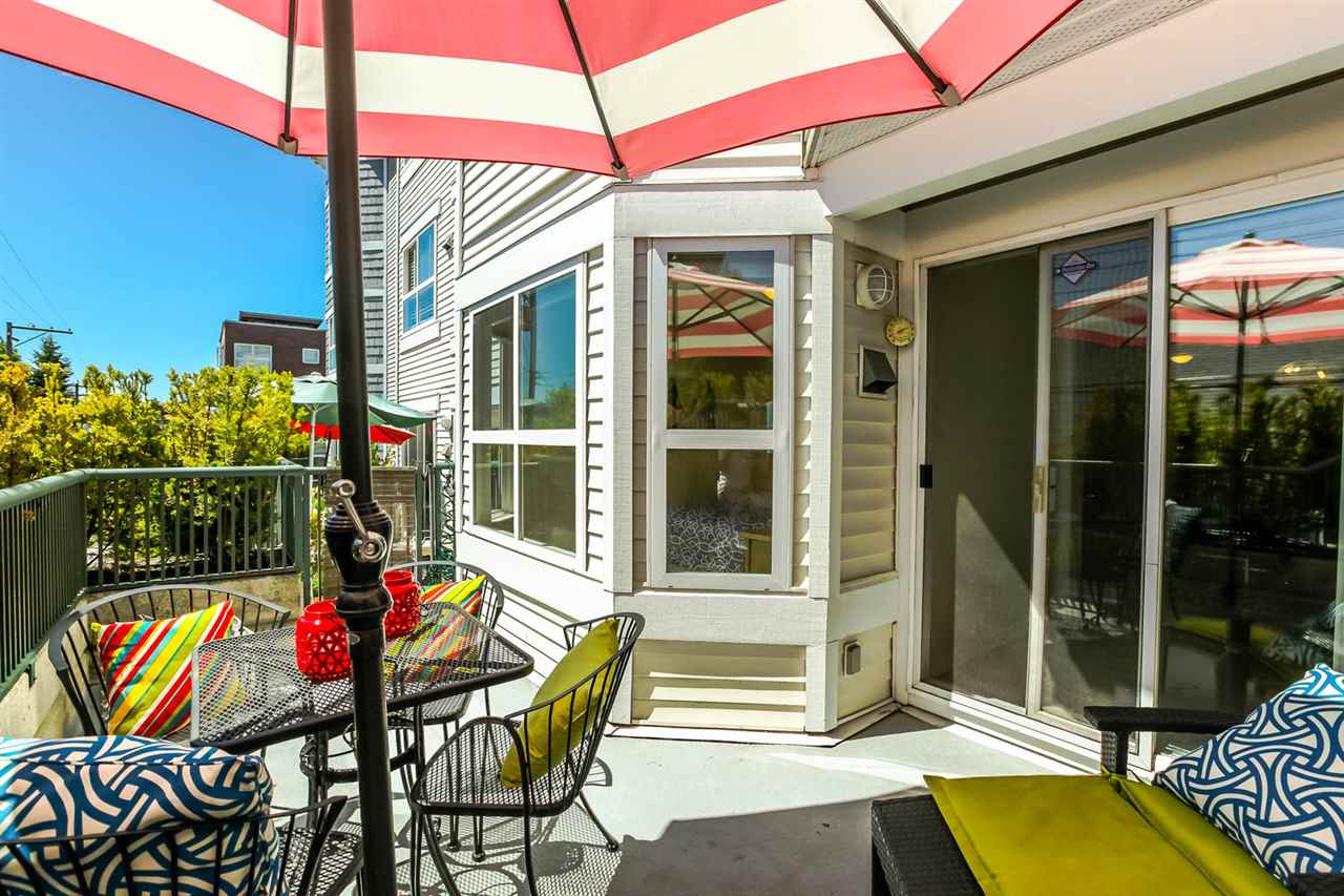 "Main Photo: 203 2680 W 4TH Avenue in Vancouver: Kitsilano Condo for sale in ""The Star of Kits"" (Vancouver West)  : MLS® # R2183873"