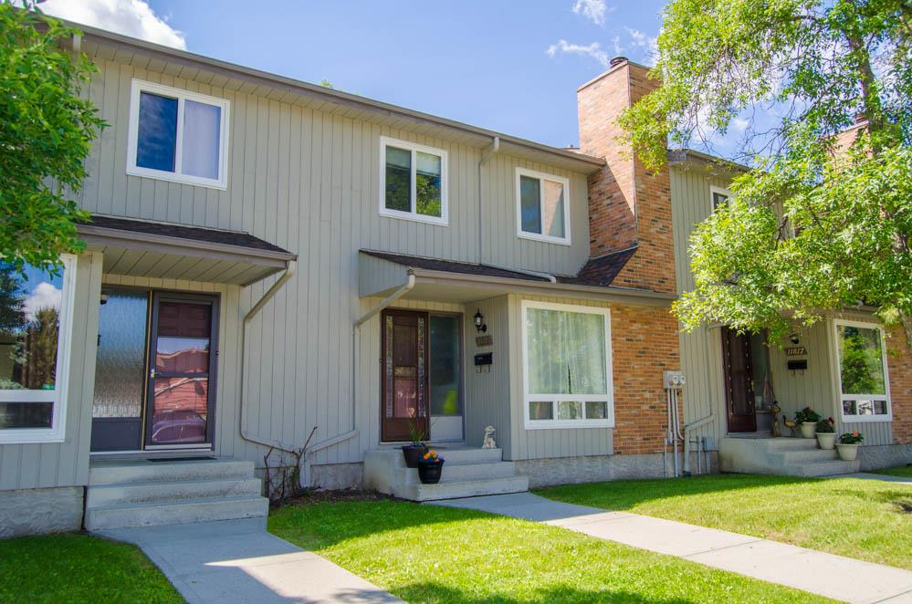 Main Photo: 11815 32A Avenue in Edmonton: Zone 16 Townhouse for sale : MLS® # E4070533