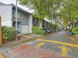Main Photo: 4962 RIVER REACH Road in Delta: Ladner Elementary Townhouse for sale (Ladner)  : MLS® # R2234504